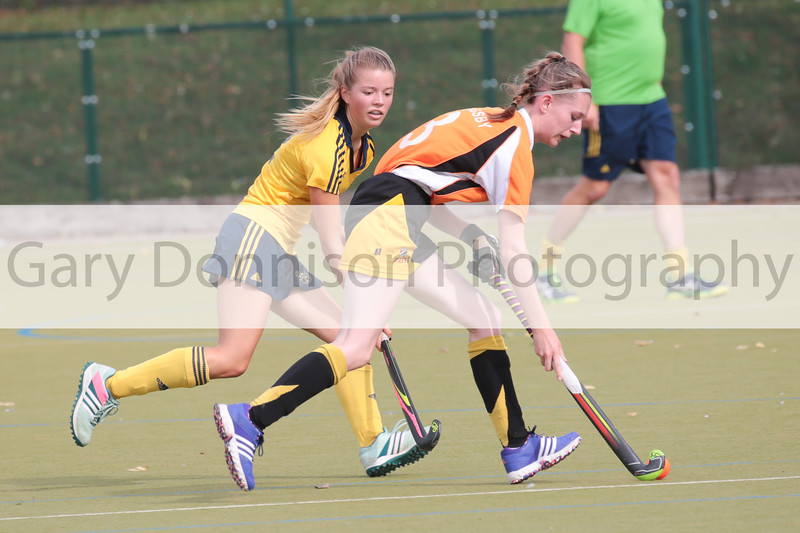 MDEP-24-09-2016-072 Newmarket II v Horncastle Hockey Jes Logan Newmarket (Yellow)