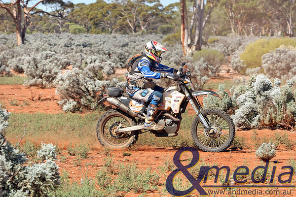 090809kalsafari5supp 2009 Australasian Safari - Leg Seven Kalgoorlie-Boulder rider Darren Griffiths rides his KTM 530 EXC through the bush of Woolibar Station during the final stage of the 2009 Australasian Safari. Photo by Travis Anderson - Andmedia