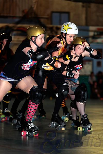 """Bunbury Roller Derby - """"Saturday Fight Fever'' Bunbury Roller Derby Brawl Stars vs Gold City Rollers  Photo: ANDMEDIA"""