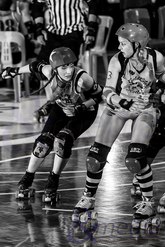 Movember Pain: Gold City Rollers vs Perth Roller Derby Rumble Bees - 30/11/2013: Kalgoorlie