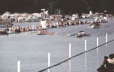 Final of the Grand: Leander/Thames Tradesmen leading Vesper BC (USA) 1975