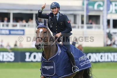 Lorenzo De Luca and Ensor de Litrange Lxii celebrate victory in the Longines International Grand Prix of Ireland at the Dublin Horse Show (July 2016)