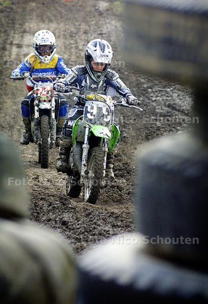 HC - MOTORCROSS VERENIGING MCC - BLEISWIJK 10 JULI 2004 - FOTO NICO SCHOUTEN