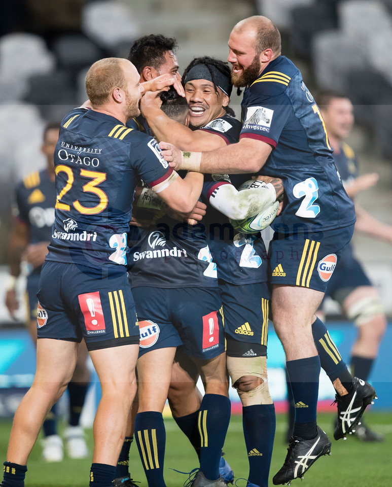 Highlanders' players celebrate their team's try against the Stormers in the Super Rugby match, Forsyth Barr Stadium, Dunedin, New Zealand, Friday, March 9, 2018. Credit:SNPA / Adam Binns ** NO ARCHIVING**