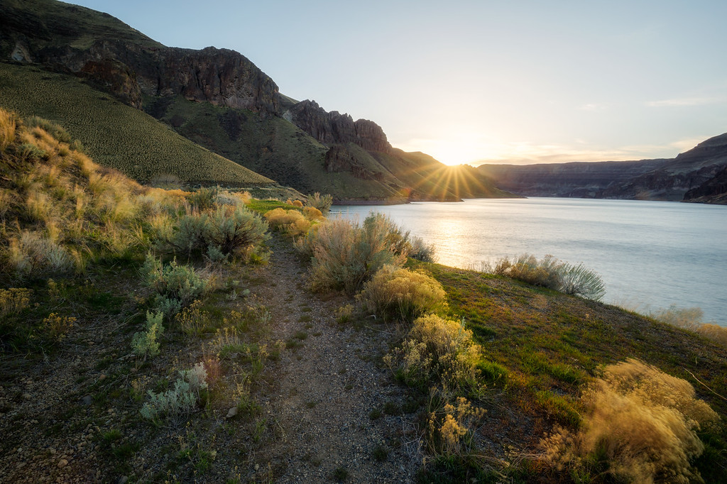 Lake Owyhee Sunset