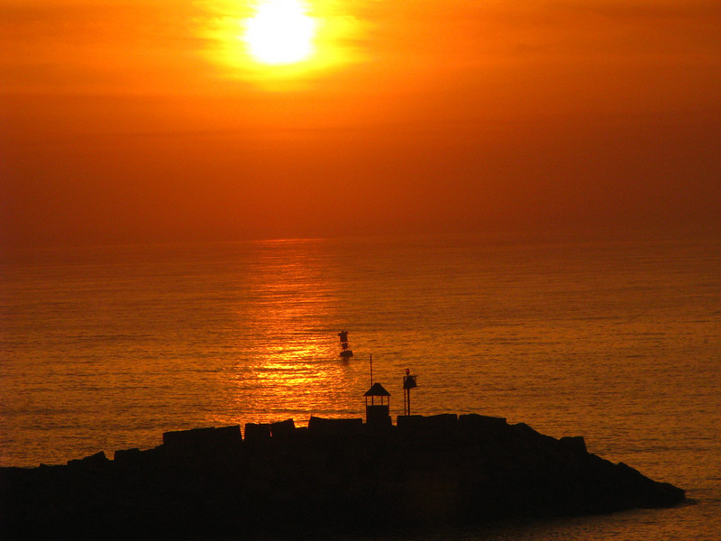 Sunrise Puerto Quetzel inlet