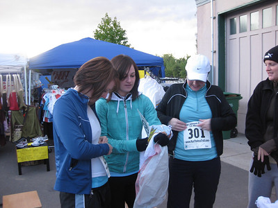 Kaylynn, Lindsey, Rebecca getting ready for the race.