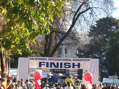Finish! Official chip time 4:44:44! (4 is my new favorite number). There's the California State Capitol Building behind the finish. I'm the one in green with my hands in the air (I was a little excited).