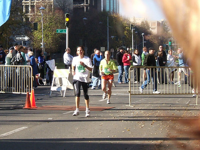 Rounding the corner to the finish line! Capitol Mall and 8th Street, Sacramento, CA.