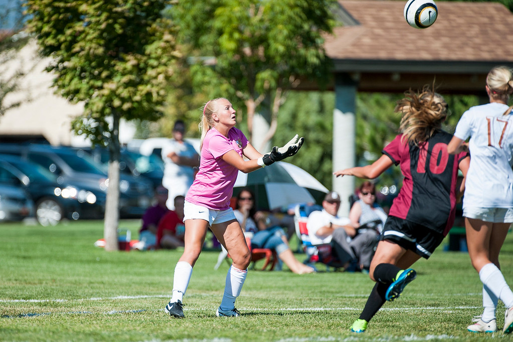 The Davis Darts defeated the Viewpoint Vikings 5-2 in Kaysville on September 10, 2015.