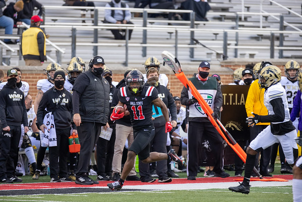 Ball State wins over Western Michigan with the final score of 30 - 27. Photo by Tony Vasquez for Indy Sports Daily.