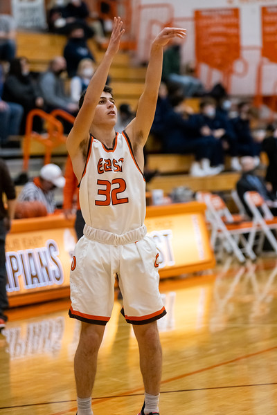 Columbus East Olympians lose to Perry Meridian Falcons 37-54 on January 8, 2021. Photo by Tony Vasquez for indy Sports Daily.
