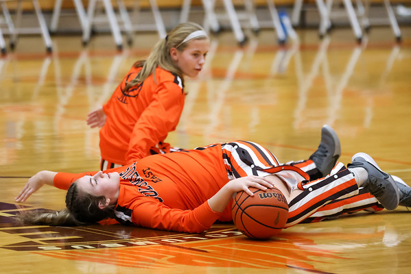Columbus East dominates Batesville at home in the Orange Pit on January 26, 2021. Final score 82 -30. Photo by Tony Vasquez for Indy Sports Daily.