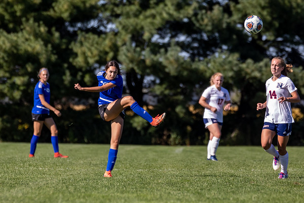 The Columbus North girls soccer team defeated Terre Haute North 7-1 on September 19, 2020. Photo by Tony Vasquez for Indy Sports Daily.