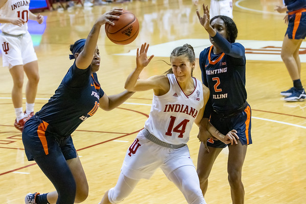Indiana University Women Basketball defeats the Illinois Fighting Illini 79-56. Photo by Tony Vasquez/Indy Sports Daily.