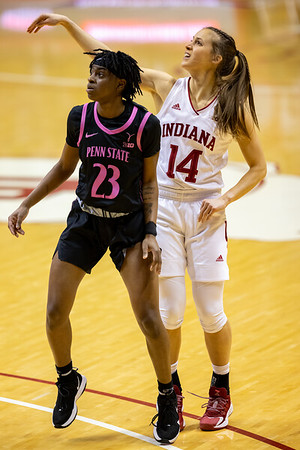 Ali Patberg eyeing her three point attmept over Shay Hagans. Photo by Tony Vasquez for Indy Sports Daily.