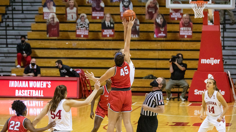 Indiana University defeats  Samford 71 to 26 at Assembly Hall. Photo by Tony Vasquez for Indy Sports Daily.