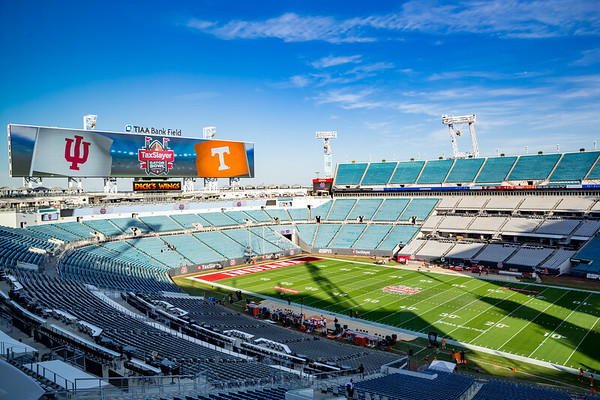 Tennessee defeats Indiana in the Taxslayer Gator Bowl in Jacksonville, Flordia by the score of 23 to 22. Photo by Tony Vasquez for Indy Sports Daily.