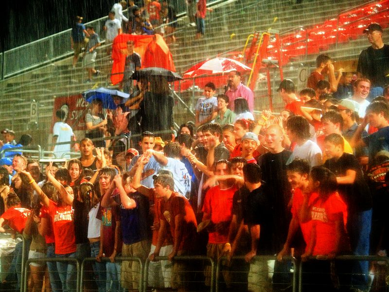 Wet Crowd 2
