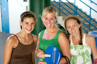 Ellie, Debbie and Abbie of Louisville at the tennis tournament in Mason on Aug 16, 2009