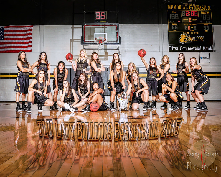 TLU Basketball Lady Bulldogs Group Portrait.