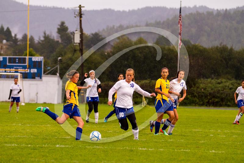 soccer_girls_201457