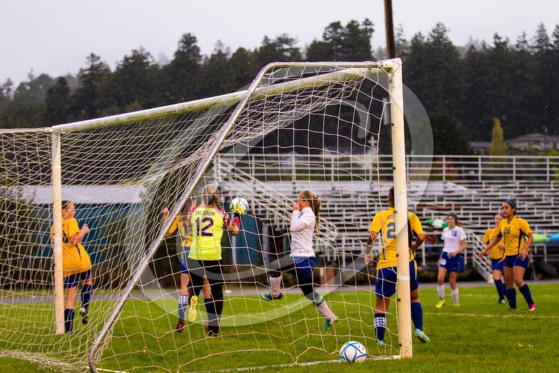 soccer_girls_201454