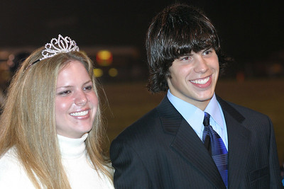 2004 Queen winner Lacey Bowls with escort Clint Ayers
