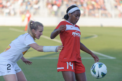 Tiffany McCarty (14), hometown Laurel, Md. is being guarded by Alex Sahlen (2) hometown Buffalo, NY.