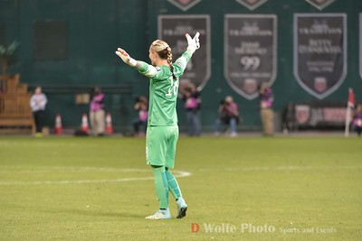 Ashlyn Harris (18) celebrates an early goal by her team in the second half.