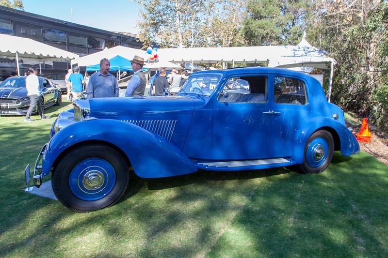 1939 Bentley 4.25 Vanvoren Pillarless Saloon