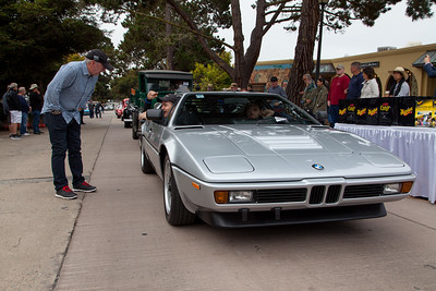 Jeff Zwart talks with passenger - 1981 BMW M1