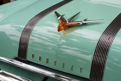 Larry Symon's 1955 Pontiac Star Chief