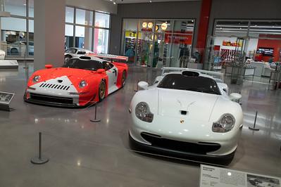 [L-R] 1997 Porsche 911 GT1, 1998 Porsche 911 GT1 Strassenversion