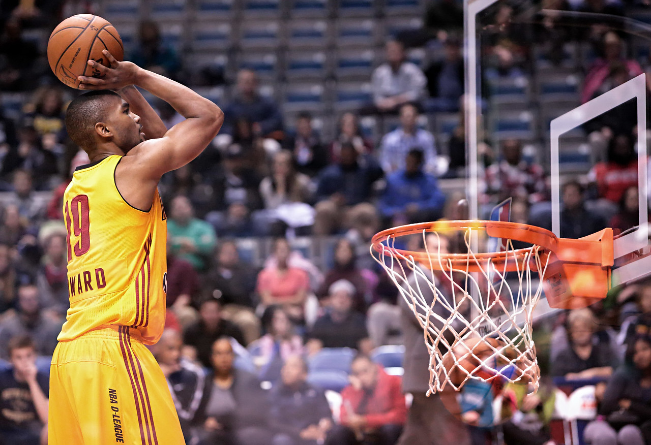 IMAGE: https://photos.smugmug.com/Sports-Events/Mad-Ants-20132014-/i-TSHfLMP/0/67f46f8d/X2/5P1B5675-X2.jpg