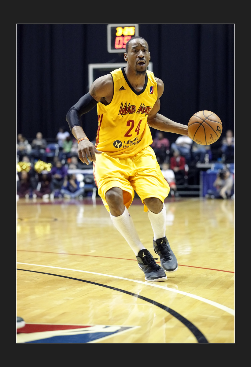 IMAGE: https://photos.smugmug.com/Sports-Events/Mad-Ants-2014-2015/i-ChBMRT5/0/9eb20e4a/X3/5P1B2052-X3.jpg