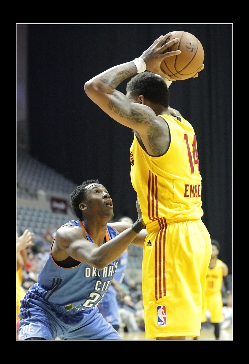 IMAGE: https://photos.smugmug.com/Sports-Events/Mad-Ants-2014-2015/i-GBn4G29/1/6f3cc84b/X3/5P1B3523-X3.jpg
