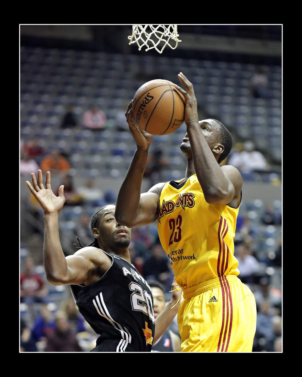 IMAGE: https://photos.smugmug.com/Sports-Events/Mad-Ants-2014-2015/i-RWkFzZx/0/X3/5P1B3442-X3.jpg