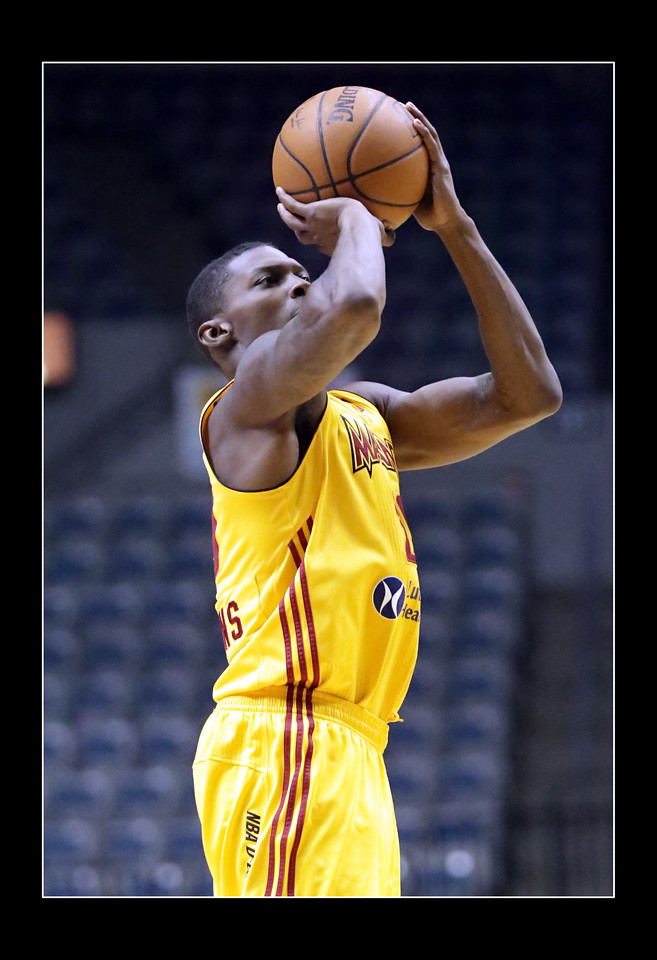 IMAGE: https://photos.smugmug.com/Sports-Events/Mad-Ants-2014-2015/i-b94kF7R/0/1dc952b7/X2/5P1B3620-X2.jpg