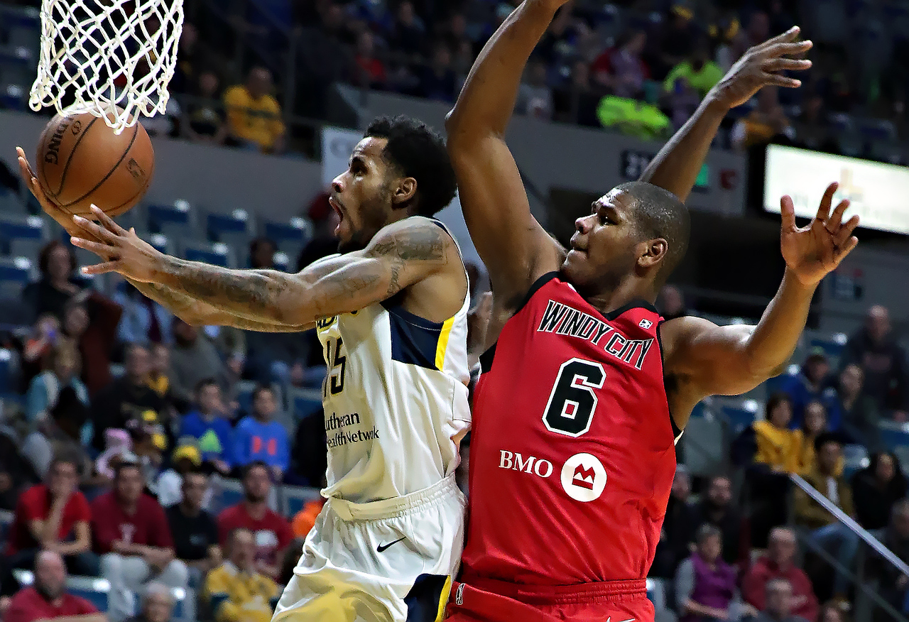 IMAGE: https://photos.smugmug.com/Sports-Events/Mad-Ants-Current-Season/Jan-05-2018/i-K9L5x5B/0/adf43eba/X2/216A5222-X2.jpg