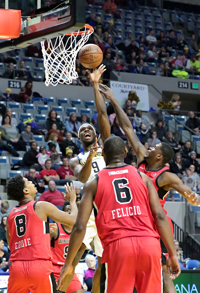 IMAGE: https://photos.smugmug.com/Sports-Events/Mad-Ants-Current-Season/Jan-05-2018/i-h6t2ctG/0/aea635d0/X3/216A5167-X3.jpg