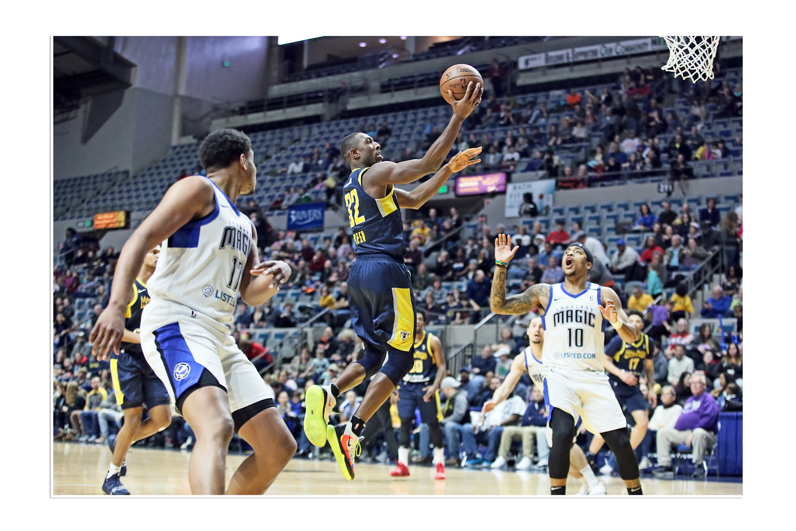 IMAGE: https://photos.smugmug.com/Sports-Events/Mad-Ants-Current-Season/Mar-8-2019/i-SgBdHX6/0/58eaa9a5/X3/FX8A9324a-X3.jpg