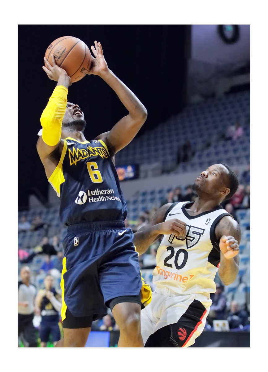 IMAGE: https://photos.smugmug.com/Sports-Events/Mad-Ants-Current-Season/Nov-29-2018/i-BdKGLKx/0/19c8d8a5/X3/FX8A3797a-X3.jpg
