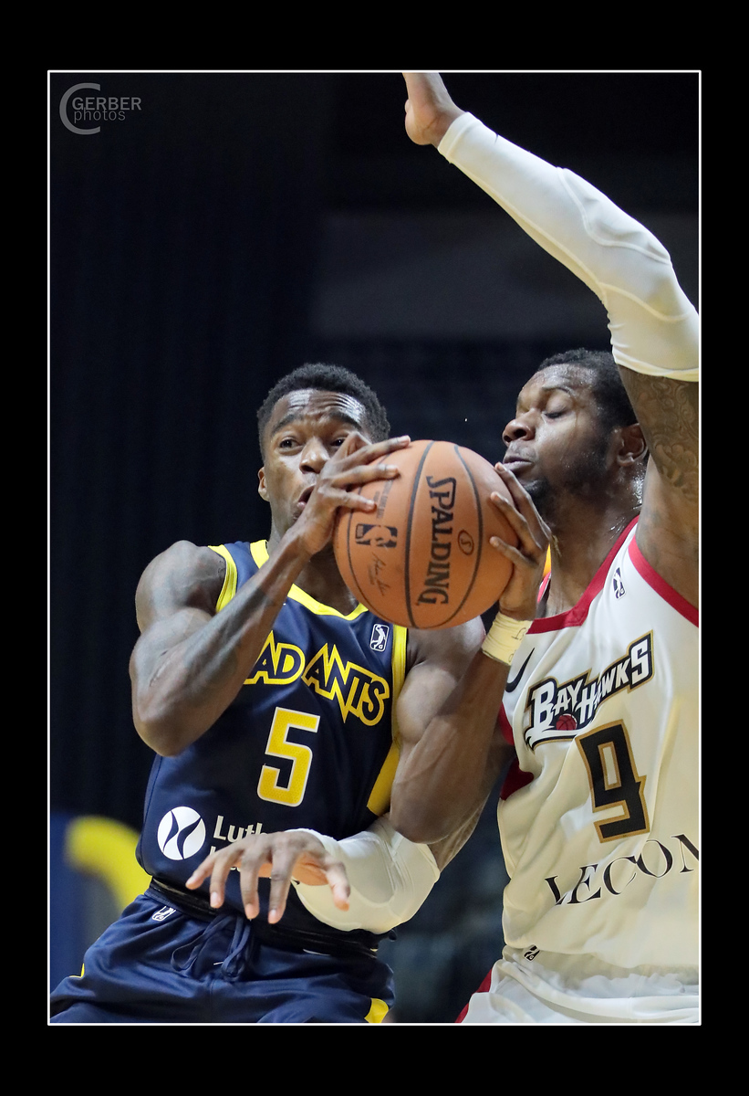 IMAGE: https://photos.smugmug.com/Sports-Events/Mad-Ants-Current-Season/Nov-9-2018/i-dsRmNjX/0/cdfd36cd/X3/FX8A2905a-X3.jpg