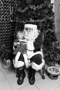 Pat-O'Brien-Santa-181215-3536-BW