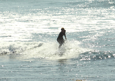 Surfing on Sunday041