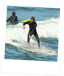 Surfing on Sunday001