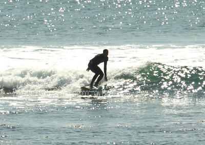 Surfing on Sunday033