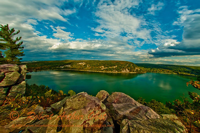 West Bluff Trail view of quartzite cliffs encircling Devils Lake within Devils Lake State Park (USA WI Baraboo)