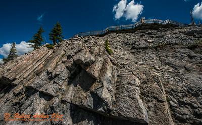 SFE-AO_7638_ATO.WestUSACanada2014-CAN.AB.Banff.BanffNP.ViewFromSulphurMountain.SheerRockFaceTowardsCRS-B (DSC_7638.NEF)